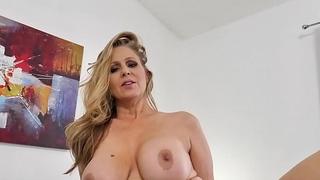 Spizoo - Paragon Julia Ann fucking a chunky dick, chunky boobs &amp_ chunky booty