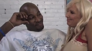 Busty Mom Tia Gunn And Angel Cakes Share BBC