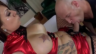 Inked dominatrix fingers her sub lover