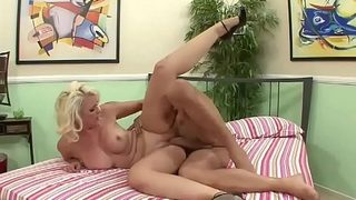 Do you like watching me get fucked off out of one's mind a male pornstar