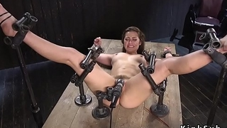 Slave in metal device villeinage vibrated
